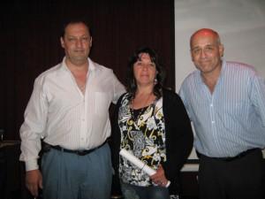 Manuel Rodríguez, Liliana Escudero(con su Diploma de 4º Dan) y el Prof. Eduardo Benedetti.