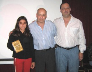 Cinthya Almada  con  Eduardo Benedetti y Manuel Rodríguez.