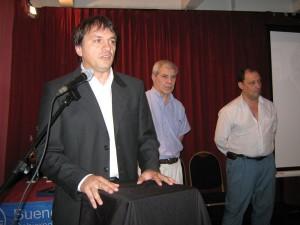El coordinador de Deportes Federados del Gobierno de la Ciudad de Bs.As. Sr.Pablo Frezzotti durante la Ceremonia .