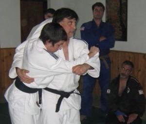 El Prof. Jorge Juri durante la disertación con Kevin Juri.