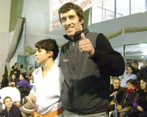 Nicolás Pomati con el profesor Osvaldo Chedrese.