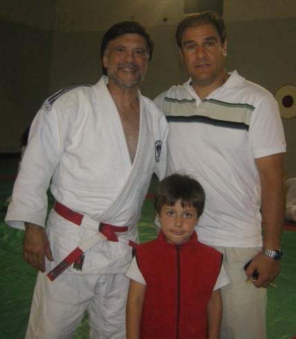 El profesor Eduardo Pereyra  con su hijo Octavio Pereyra visitó a su Maestro en éste grato homenaje.