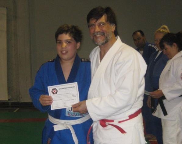 Gianfranco Pagliaro recibe su Diploma de Federación Metropolitana
