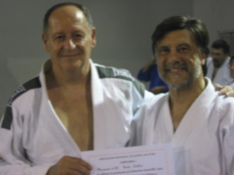 René Daffra recibe su Diploma de la Asociación Regional Atlántica de Judo.
