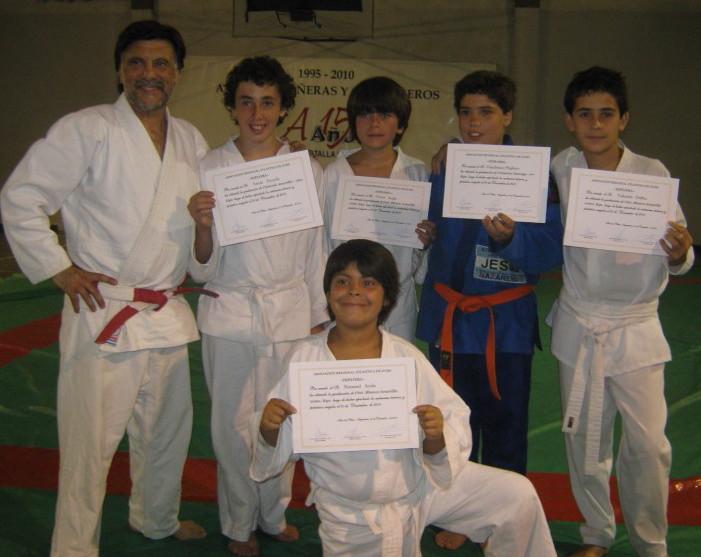 Lucas,Víctor,Gianfranco,Valentín y Nataniel con sus diplomas de la Asociación Regional Atlántica de Judo