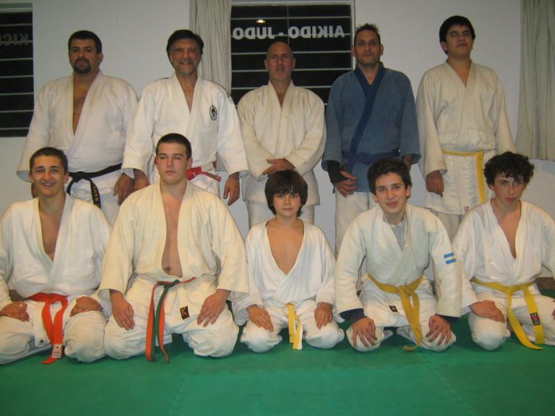 Grupo de Judokas que participaron de la Clase exhibición.