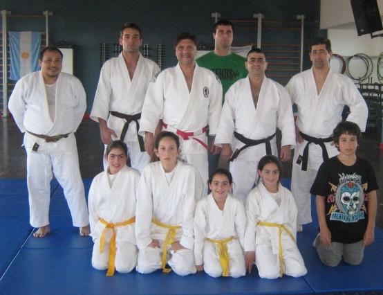 Judokas que participaron de la clase inaugural.