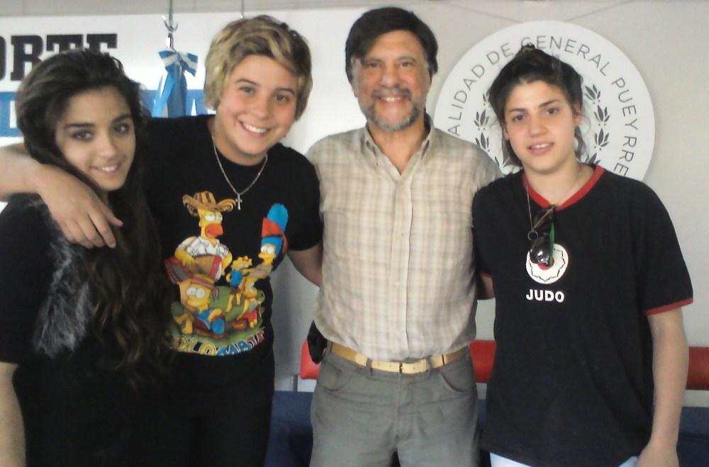 Cinthya Almada, Aldana Martinez,  Jorge Juri y Lara Amure en la Entrega de Becas en el EMDeR.