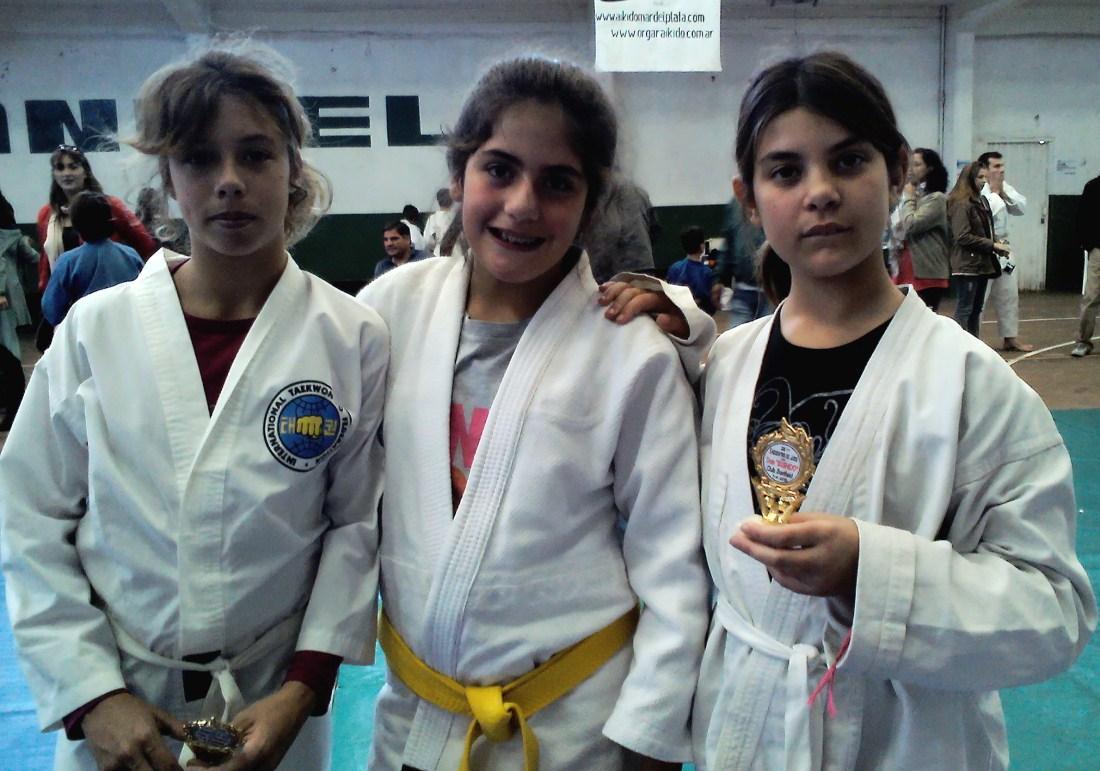 Luana Melo, Victoria Delvecchio y Tatiana Marcos.