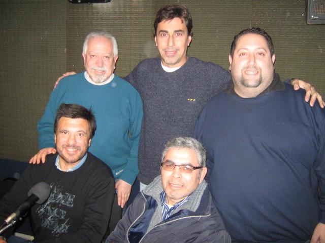 Rojas, David  Chasnovsky  , Sentados Jorge Juri y Sergio Vìctor Palma