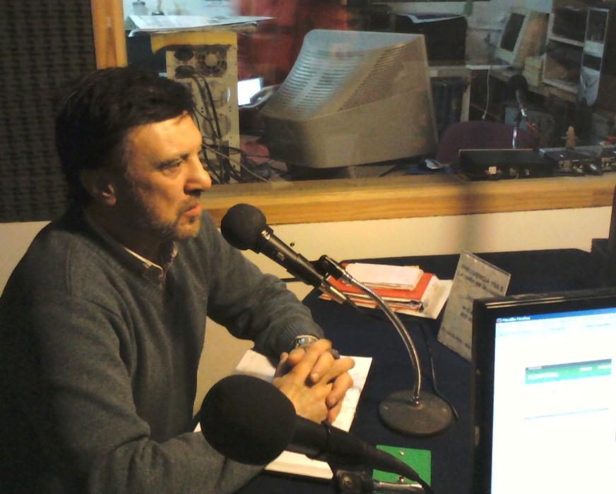 Jorge Juri durante su espacio en tribunal Deportivo Radio FM 102.3 de Mar del Plata y Costa Atlántica.