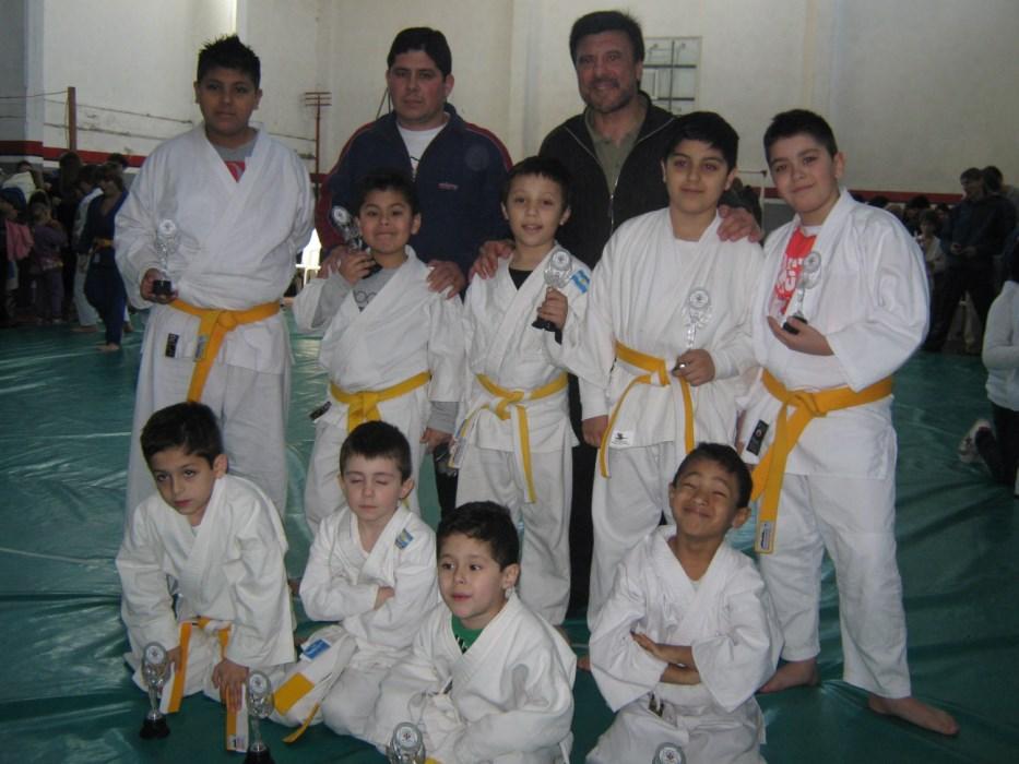 Judokas Escuelita de 4 a 11 años de Academias Juri-Luz y Fuerza.