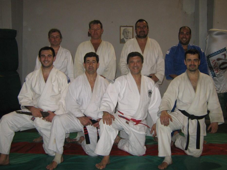 J.Gregores, C.Herrera, C.Vereb, F.Còrdoba, de rodillas S.Chacòn,D.Aregui,J.Juri y A.Lobos en un entrenamiento en Academias Juri -Luz y Fuerza