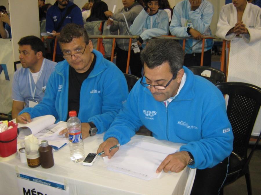 Los Maestros Aníbal Janeiro y Pablo Díaz Soto en Plena actividad.