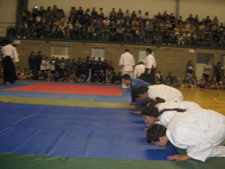 Saludo final de la exhibición de Judo.