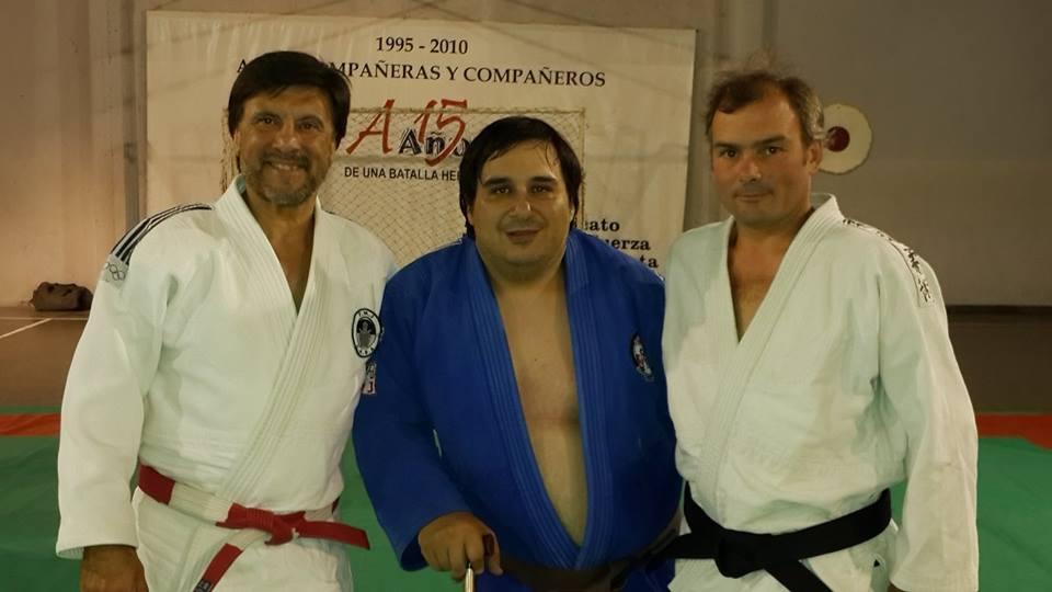 Luis Arrupe  con el Maestro Jorge Juri y el Profesor Juan Manuel Gregores.