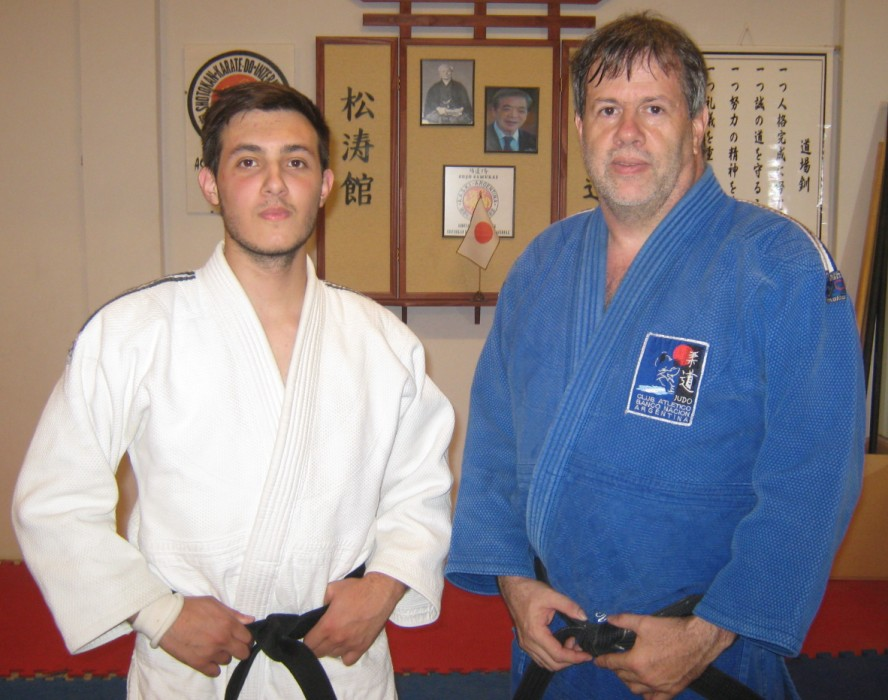 El Prof. de C.A.Peñarol Kevin Juri con el Presidente de la Comisión de Judokas Master CAJ Gustavo Valle ((Club Bco.Nación)