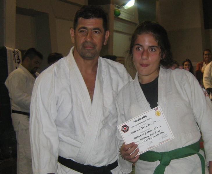 Victoria Delvecchio con el Prof. Javier Martín.