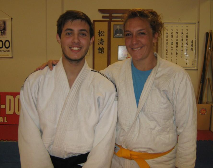 El Profesor Kevin Juri con Fernanda Crimatori.