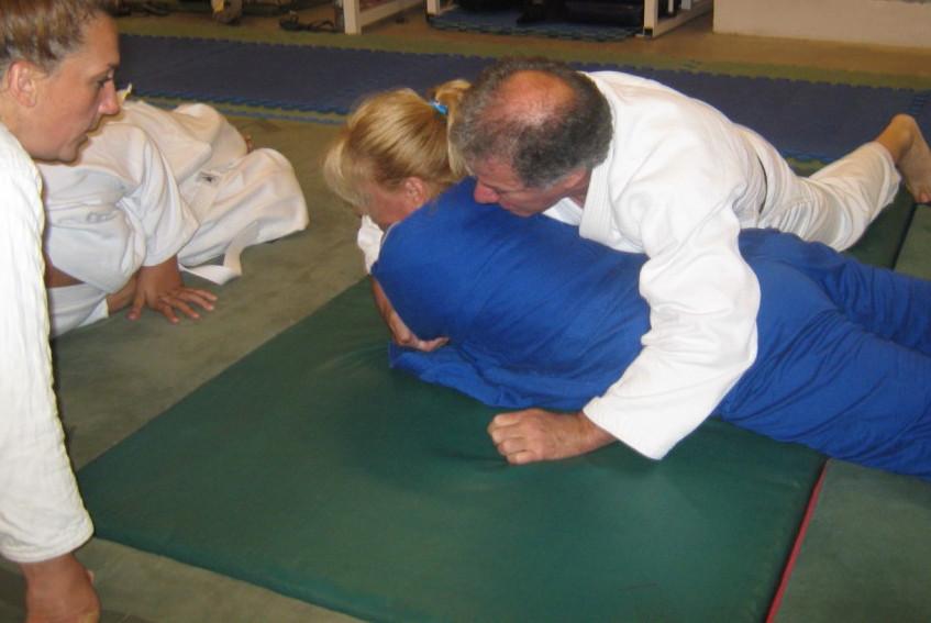 Oscar Strático con Marcela Cano en plena clase.