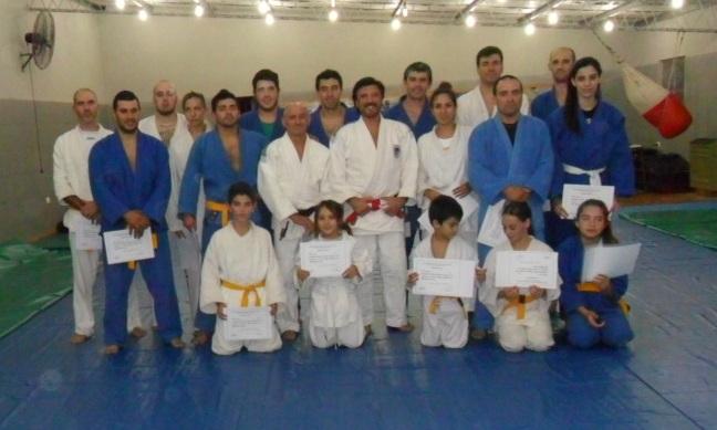 Participantes del Curso con el Maestro Jorge Juri y el Profesor Julio Araujo.