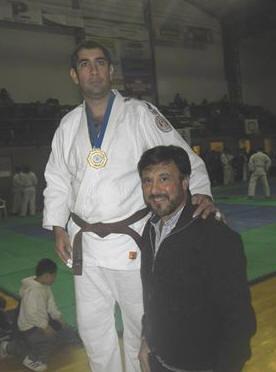 Luiz Caires (COA) en el Podio , entregó la medalla el Mtro.  Jorge Juri