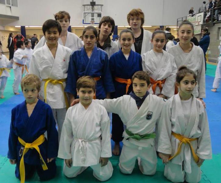 Judokas del CEF Nro. 76 Renbukan de Necochea (ARAJ)