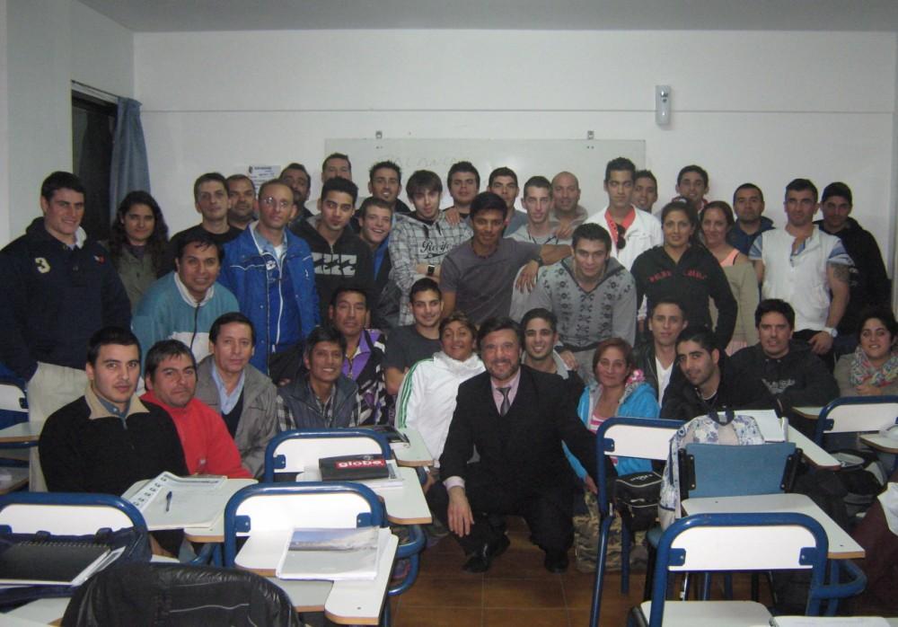 Participantes del Curso de Defensa Personal 5/2014 con el Maestro Jorge Juri.
