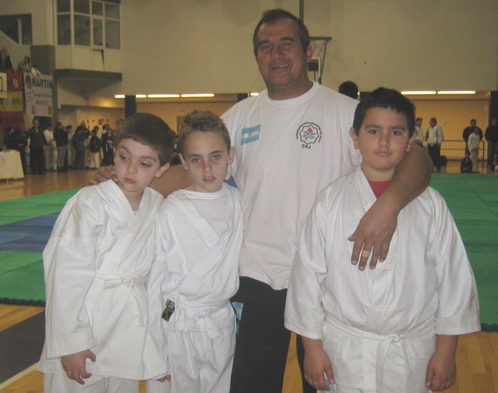 Judokas de Dojo Vereb Sierra de Los Padres (ARAJ)