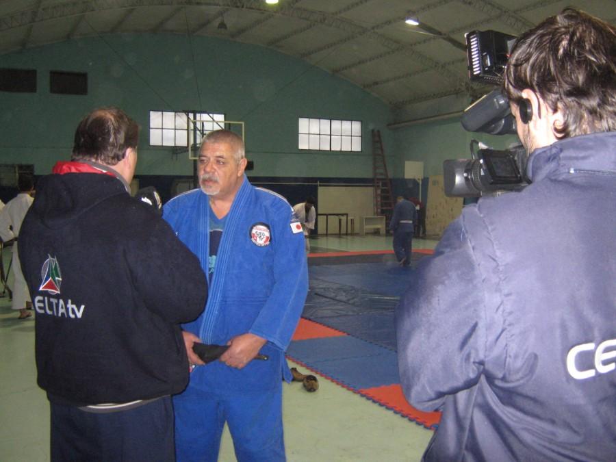 La Televisión  de la Zona Atlántica y Sudeste de la Pcia. de Buenos Aires realizando la Nota a M.Torraca.
