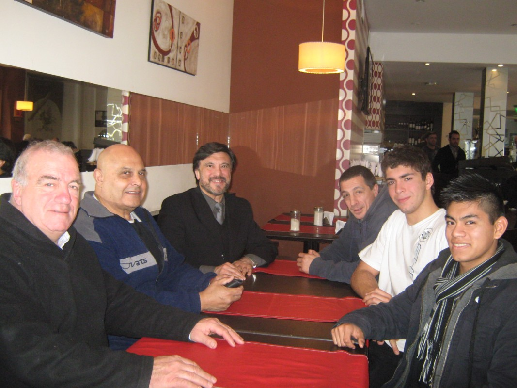 Izquierda:Carlos Vario, Enrique Salgueiro, Jorge Juri , Derecha: Abel García, Cristian Hormann y Pedro Cambiaso en C.A.Peñarol de Mar del Plata.