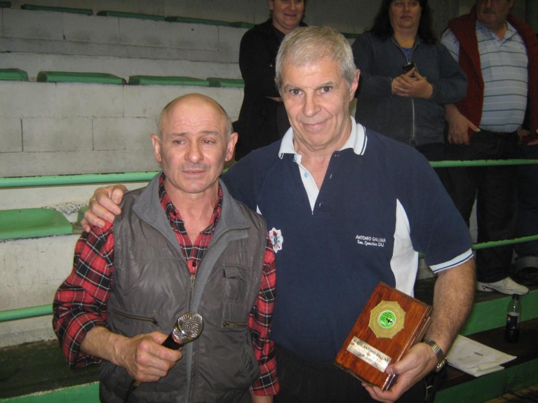 Distinción al Maestro Antonio Gallina.