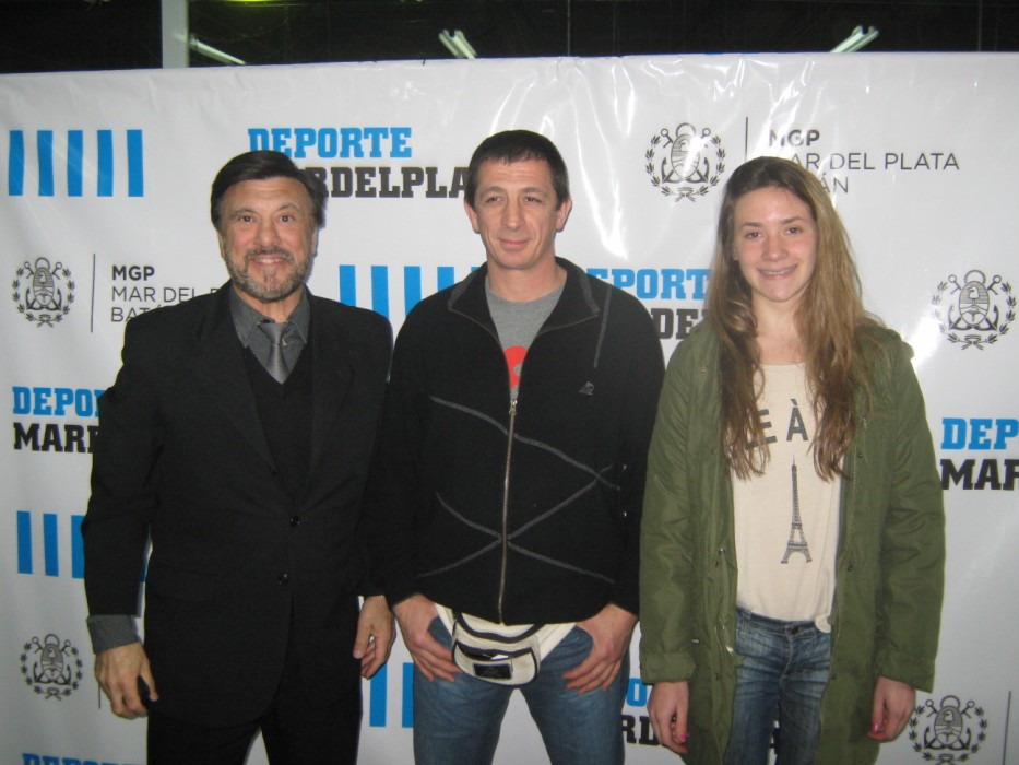 Los profesores , Jorge Juri, Pedro Cambiaso y Belén Stuarts en las instalaciones del EMDeR