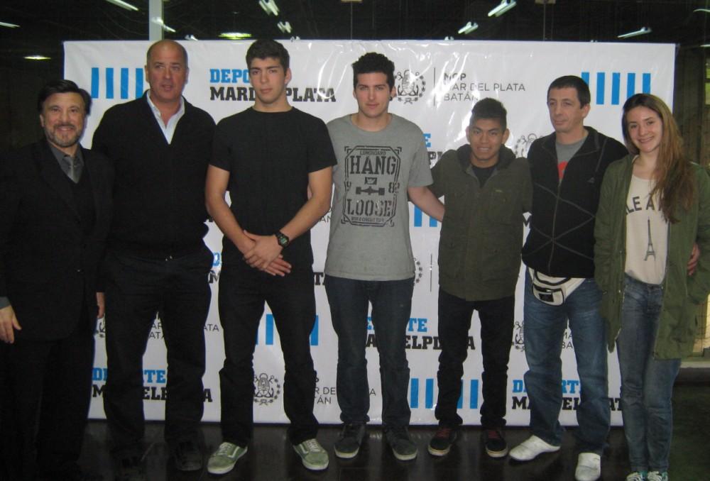 Jorge Juri, Horacio Tacone, Cristian Hormann , Abel García, y Pedro Cambiaso ,Belén Stuarts en las instalaciones del EMDeR.