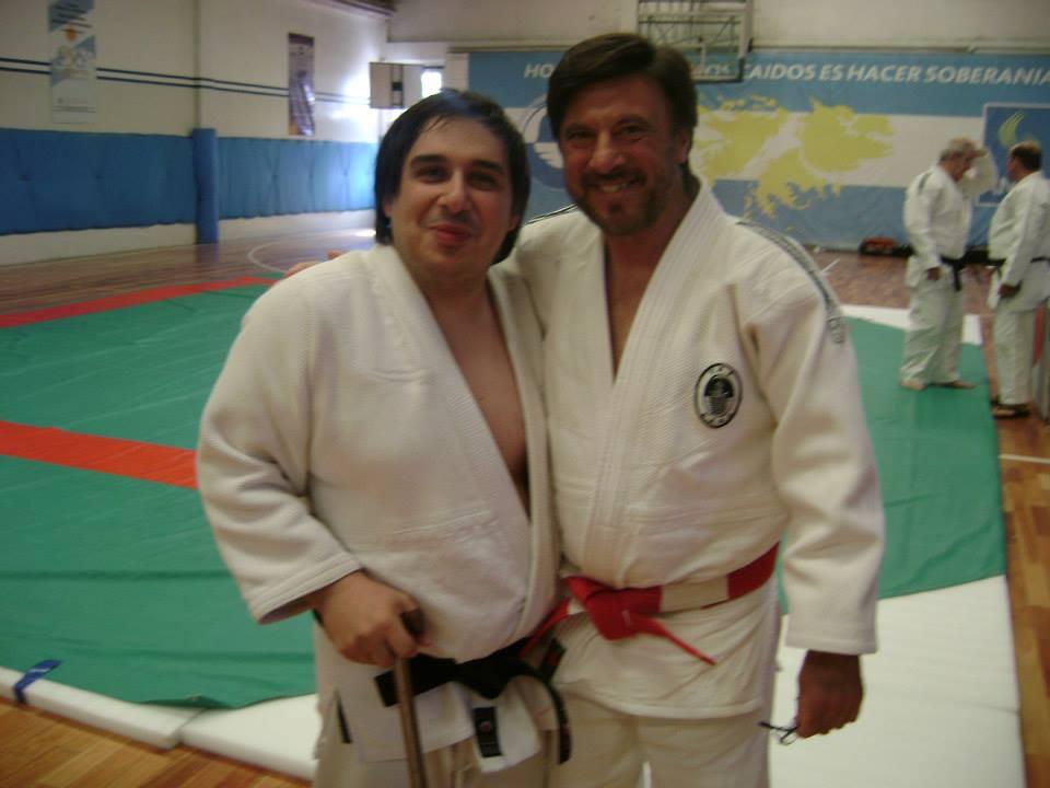 Mario Arrupe con el Mtro Jorge Juri.