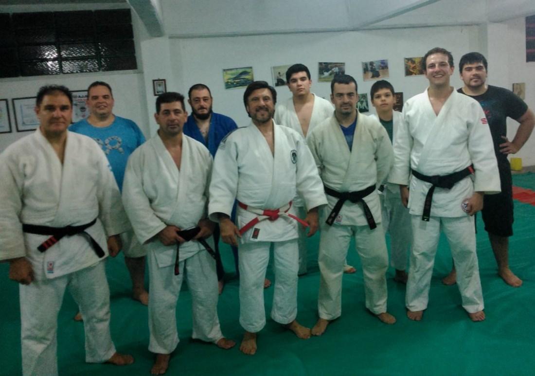Juan J.Monsalve con los Judokas  de Academias Juri /Club Huracàn de Mar del Plata