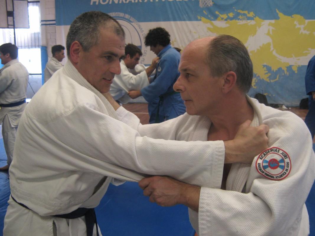 Los Judokas de C.A.Peñarol /Academias Juri Jorge Giuliani y Juan José Ramuno a pleno en el Curso.