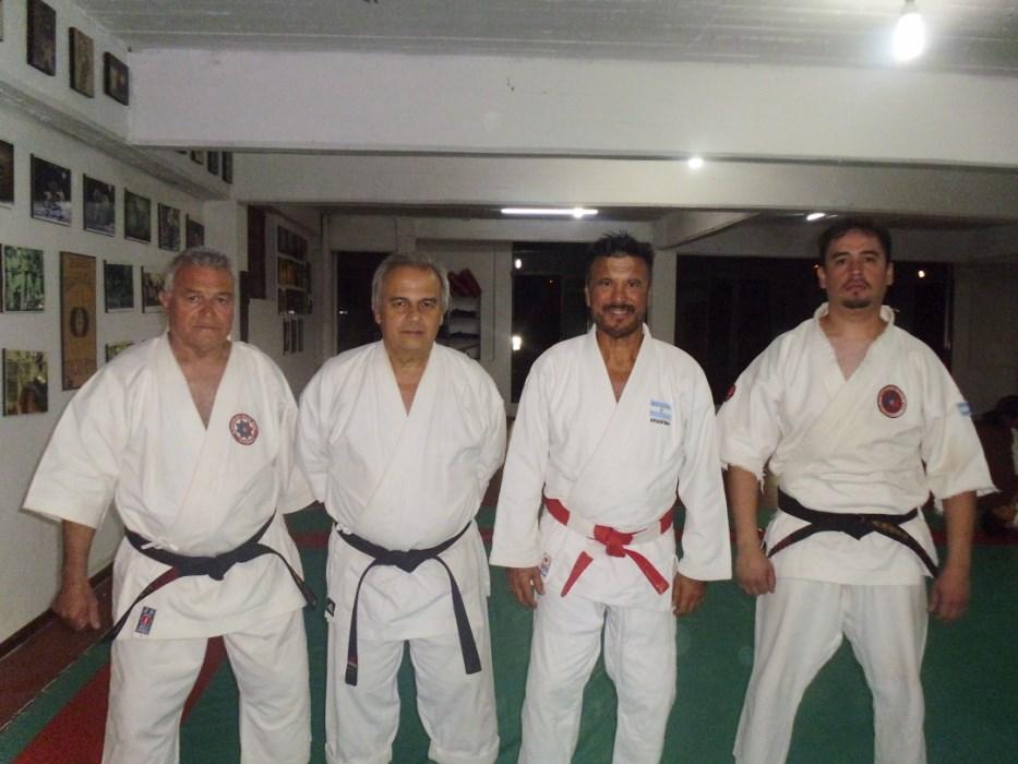 Los Maestro Marcelo Beltramino (Karate) y Jorge Juri (Judo) con los profesores de Tierra de Fuego