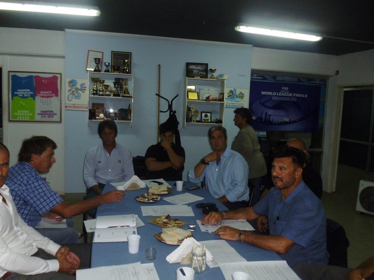 Izq. a der: Federico Tórtora, Silva m Dr. Dragotto , el Presidente del EMDeR Guillermo Volponi , Jorge Juri y