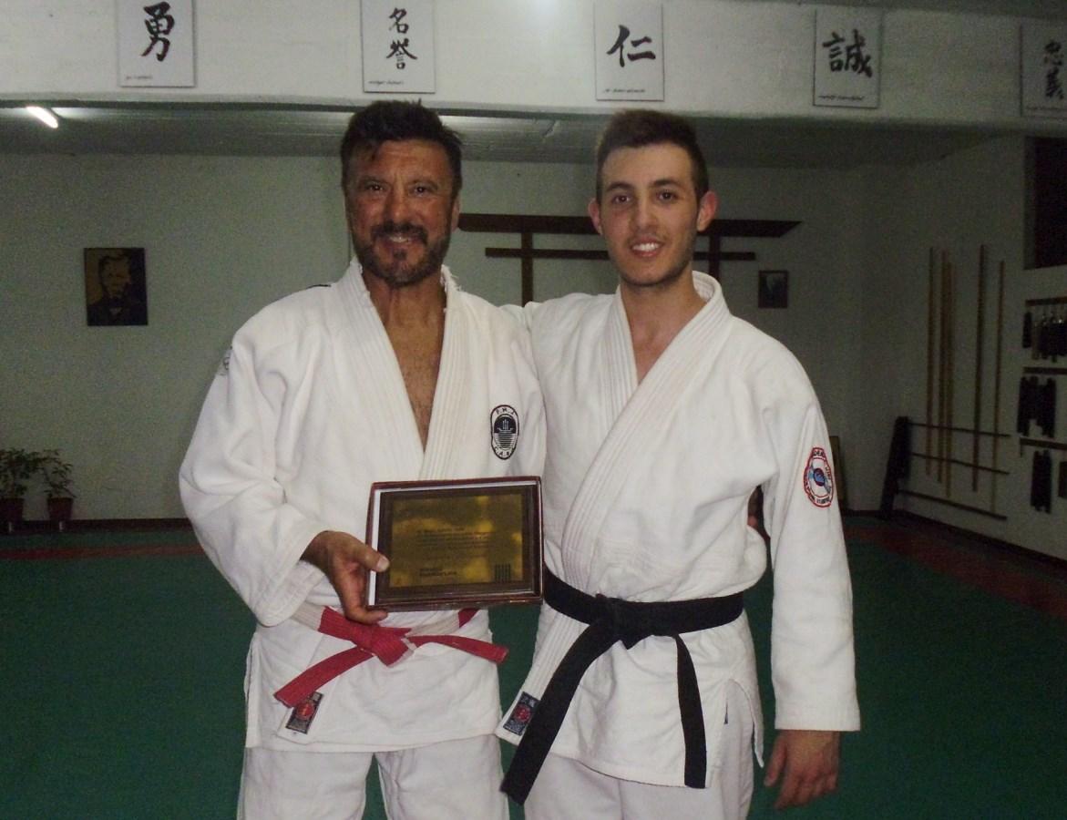 El Maestro Jorge Juri con su Hijo el Profesor Kevin Juri.