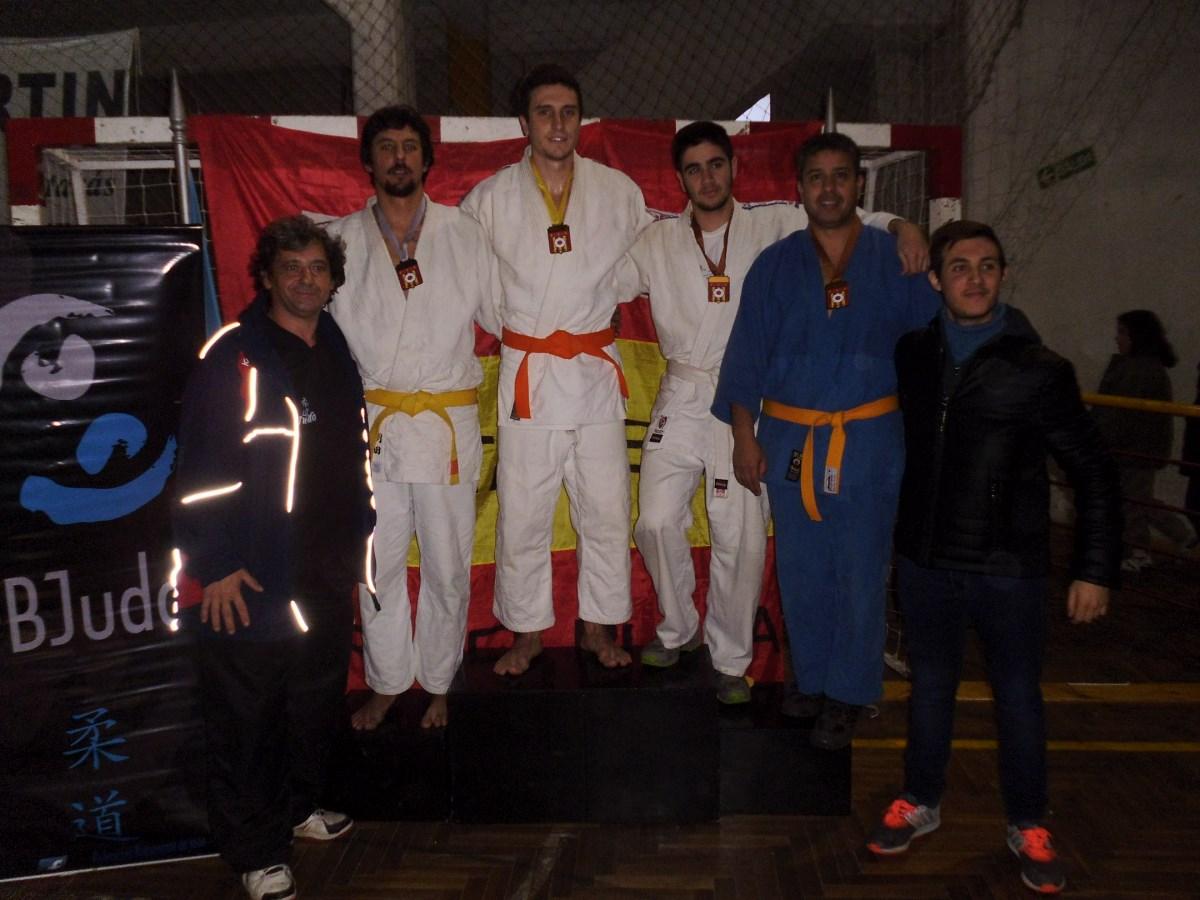 Podio Kyus novicios -81 kg.