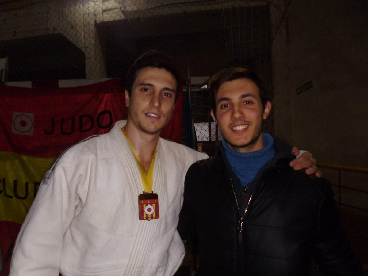Pablo Diez Medalla de Oro en Kyus Novicios - 81 Kg. con el Técnico Kevin Juri.