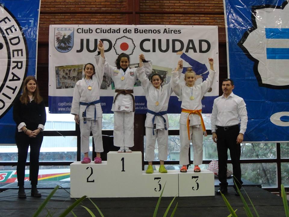 J. Olmos 2da. y J. Olmos 3era. en el Podio.