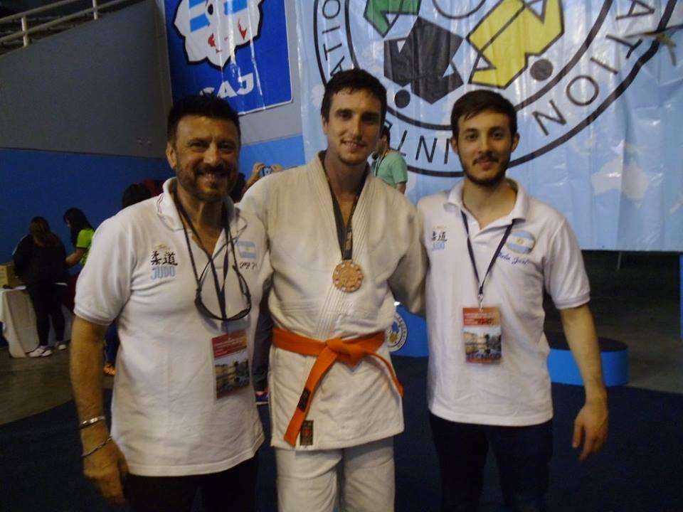 Mtro Jorge Juri, Pablo Diez (Medalla Bronce) y Kevin Juri  (Tecnico)