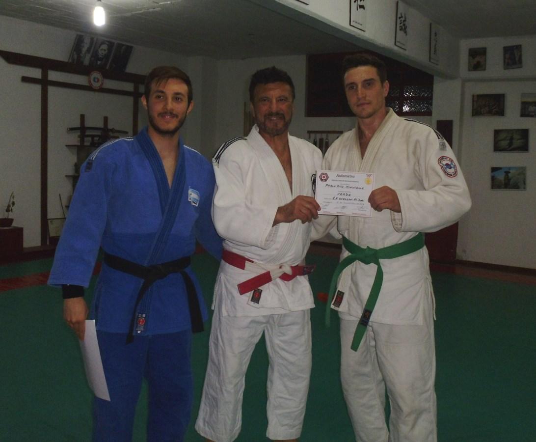 Pablo Diez Recibe sus diplomas de  5to.Kyu (Cinturòn Verde)